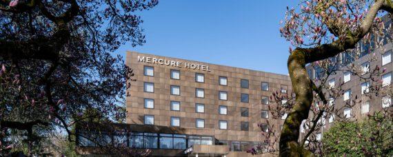 Mercure_Hotel_Moenchengladbach-stripe